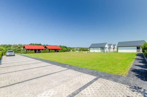Domki letniskowe z ogrodem Wicie