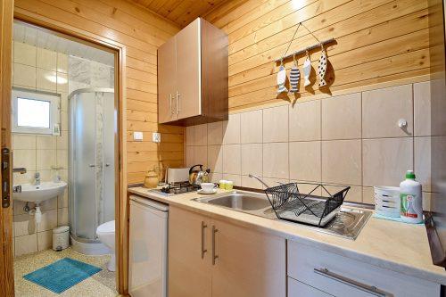kuchnia w domku 4 osobowym Wicie