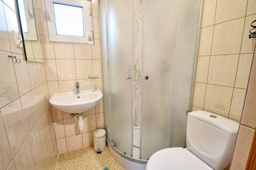 Łazienka w domku letniskowym Wicie